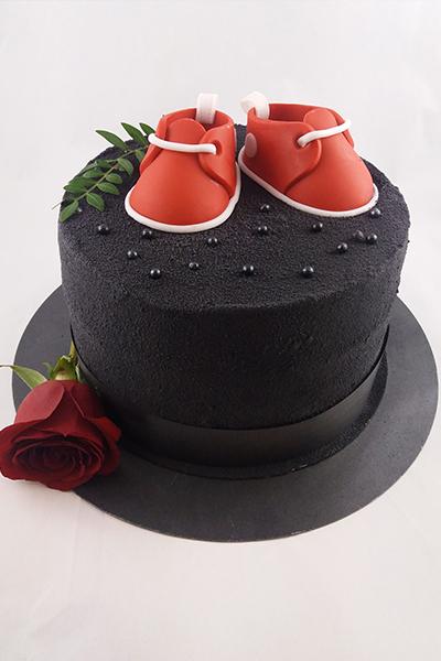 Tort czarny kapelusz z bucikami