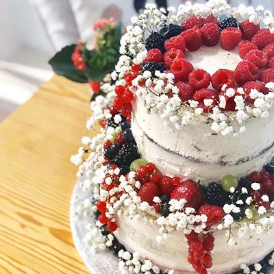 Tort ślubny przygotowany przez Mamy Wypieki
