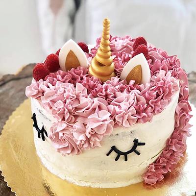 Różowy tort urodzinowy jednorożec - Trójmiasto
