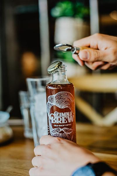 Otwieranie cold brew